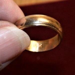 Jewelry - 14k Gold Band